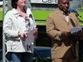 Pfrn. Almuth Schwichow mit Pastor Lwiza aus Tansania