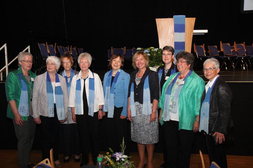 100 Jahre Bezirksverband Siegerländer Frauenhilfen Vorstand mit Präses