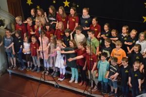 """Der Kinderchor beim Unicef-Konzert """"Damit Kinder leben können"""""""