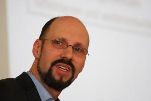 Pfarrer Hans Jörg Federmann berichtete über die Erfahrungen des Betrieblichen Gesundheitsmanagements im Ev. Kirchenkreis Hattingen/Witten.