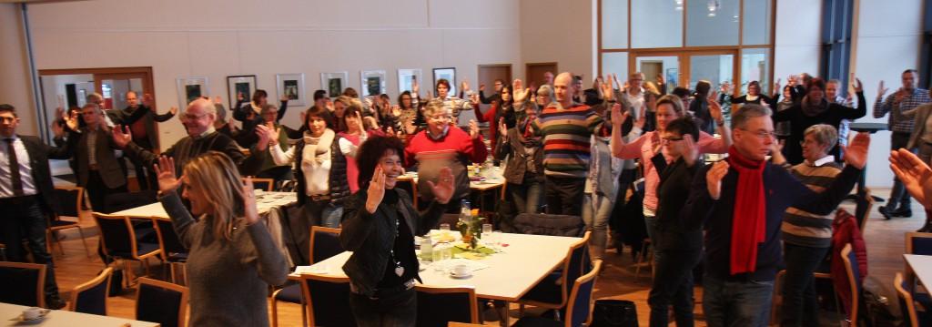 Über 100 Mitarbeitende in Leitungsfunktion innerhalb des Ev. Kirchenkreises Siegen, seinen Gemeinden und Einrichtungen hatten sich beim Impulstag zum betrieblichen Gesundheitsmanagement im Ev. Gemeindezentrum Rödgen eingefunden.