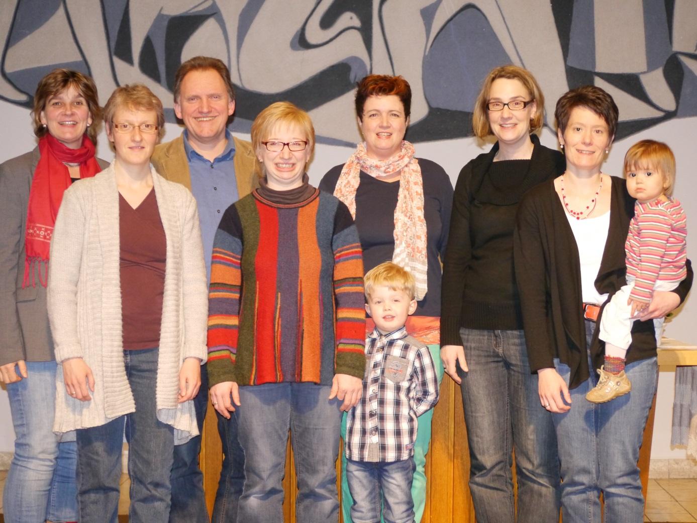 Das Krabbelgottesdienstteam v.r: Simone Neuser-Buch, Dagmar Schäfers, Diana Kolb, Alexander Kotthaus, Pfarrer Frank Boes, Jessica Jung, Charlotte Boes