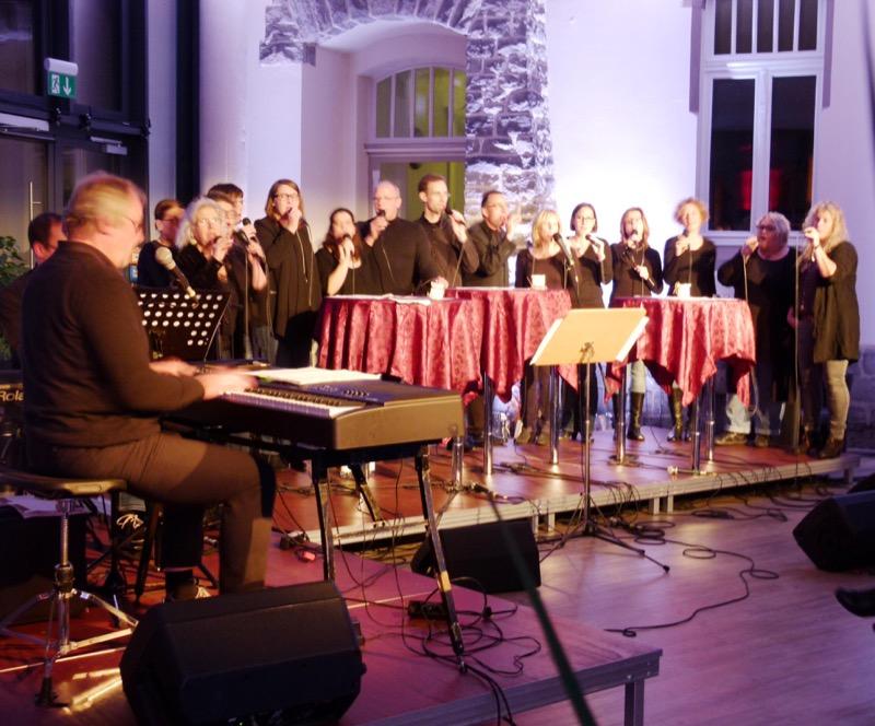 """Gospel-Generation überzeugte beim Konzert im GZ """"mittendrin""""."""